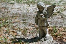 angel grave marker
