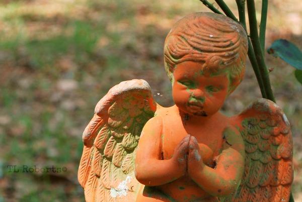 gravestone angel
