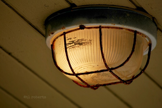 closed dome light