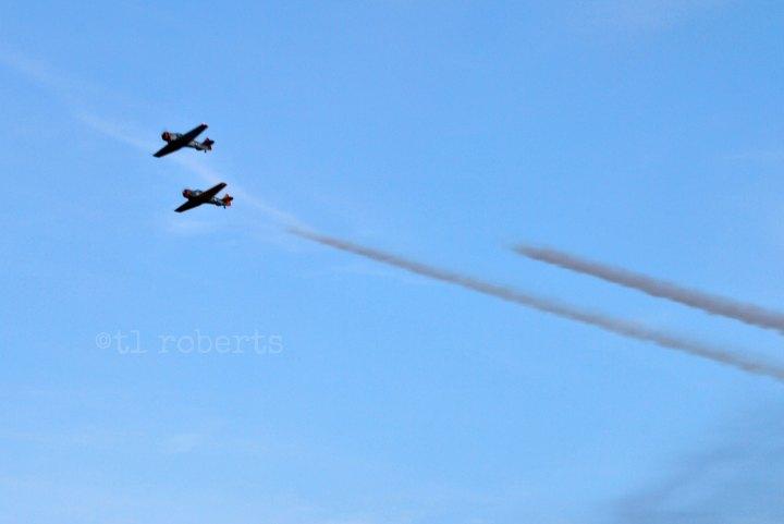 airplane aerobatics, and contrails