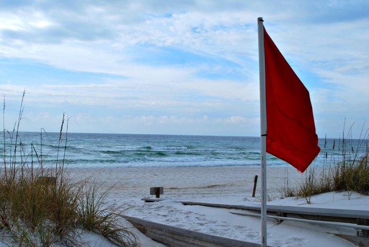 red flag, beach warning