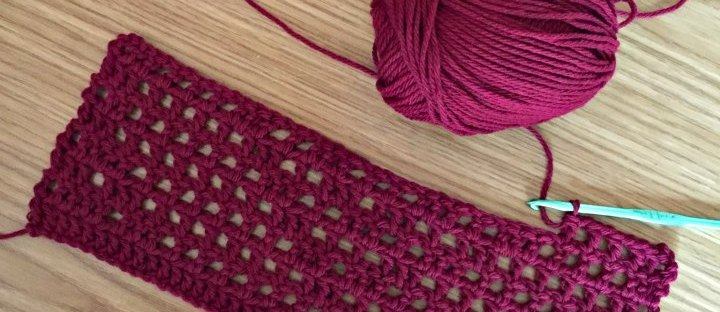 red filet crochet heart motif