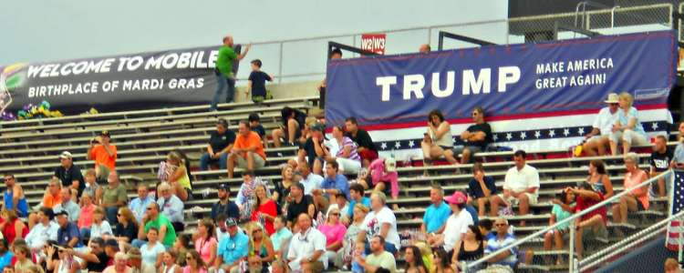 trump pep rally banners