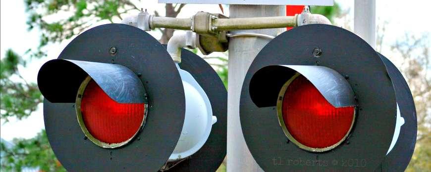 railroad crossing warning lights