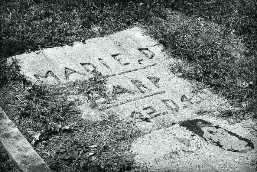 crude gravestone