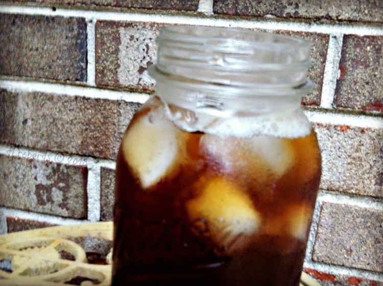 mason jar of iced tea