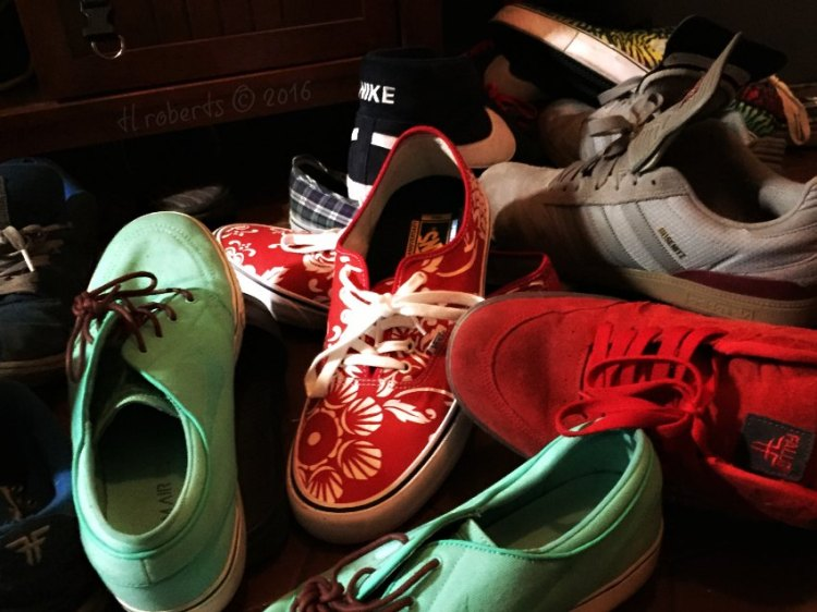skate shoes pile