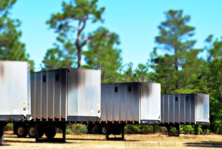 semi trailers tilt