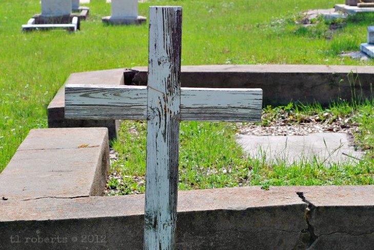 wooden-gravemarker